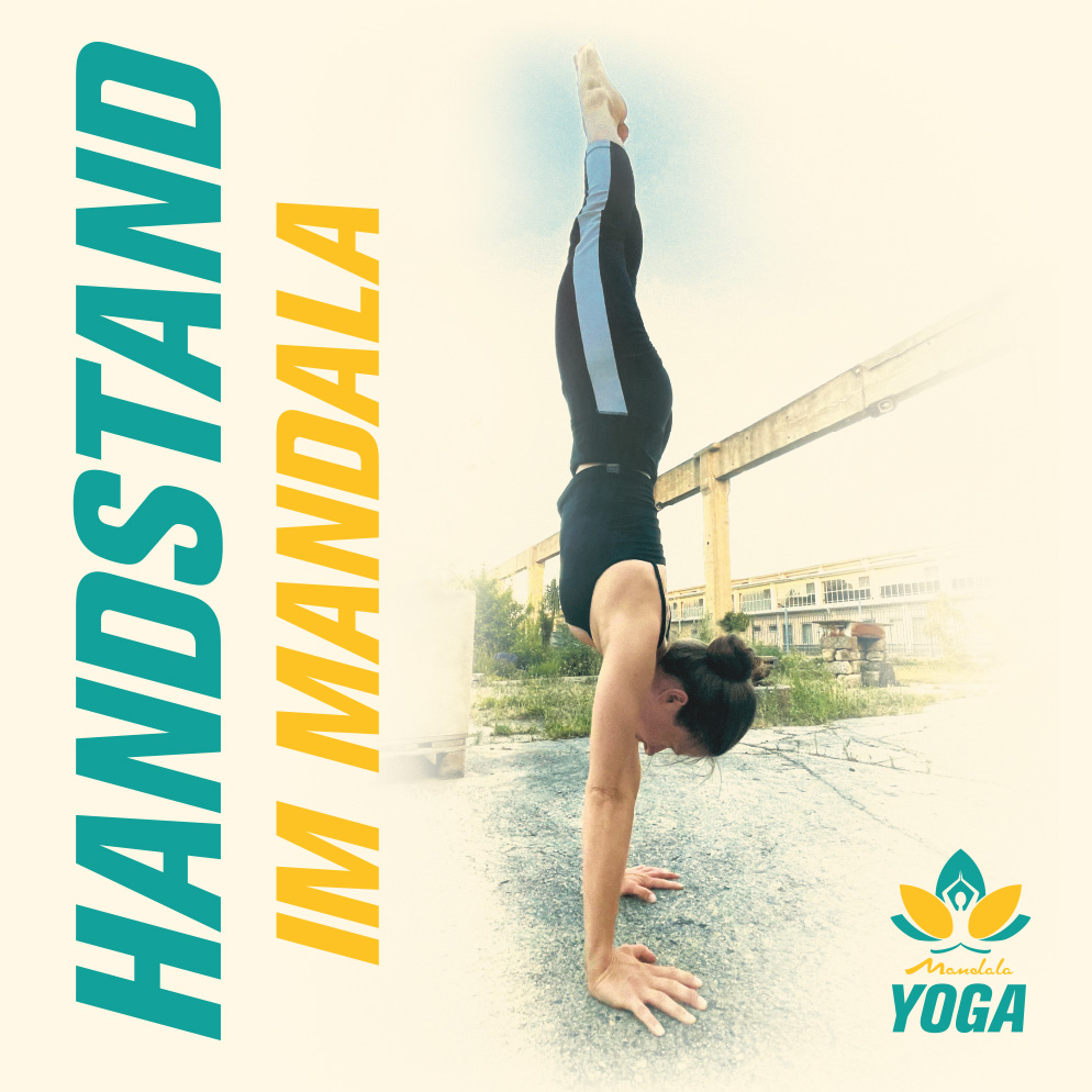 Handstand im Mandala